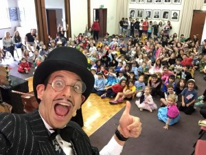 Melbourne Magician Luigi Zucchini Childrens Magic Shows